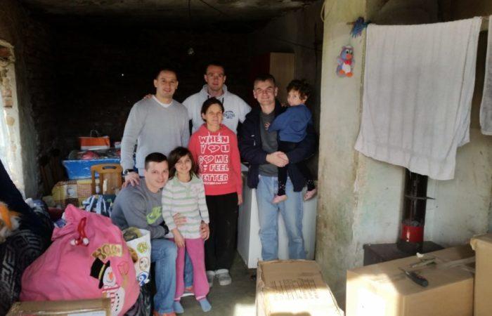 Pomoc porodici Rofa ugnovisad